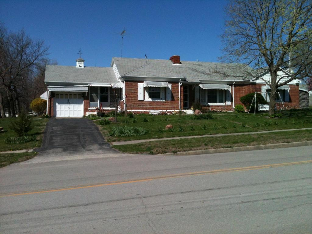 208 E Empire St, King City, MO