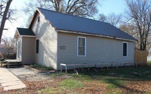 208 Vine St, Jackson, NE