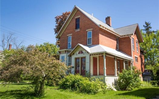 209 W College St, Oberlin, OH