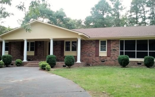 220 N Country Club Dr, Kenansville, NC