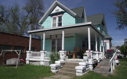 223 S Main St, Brookfield, MO