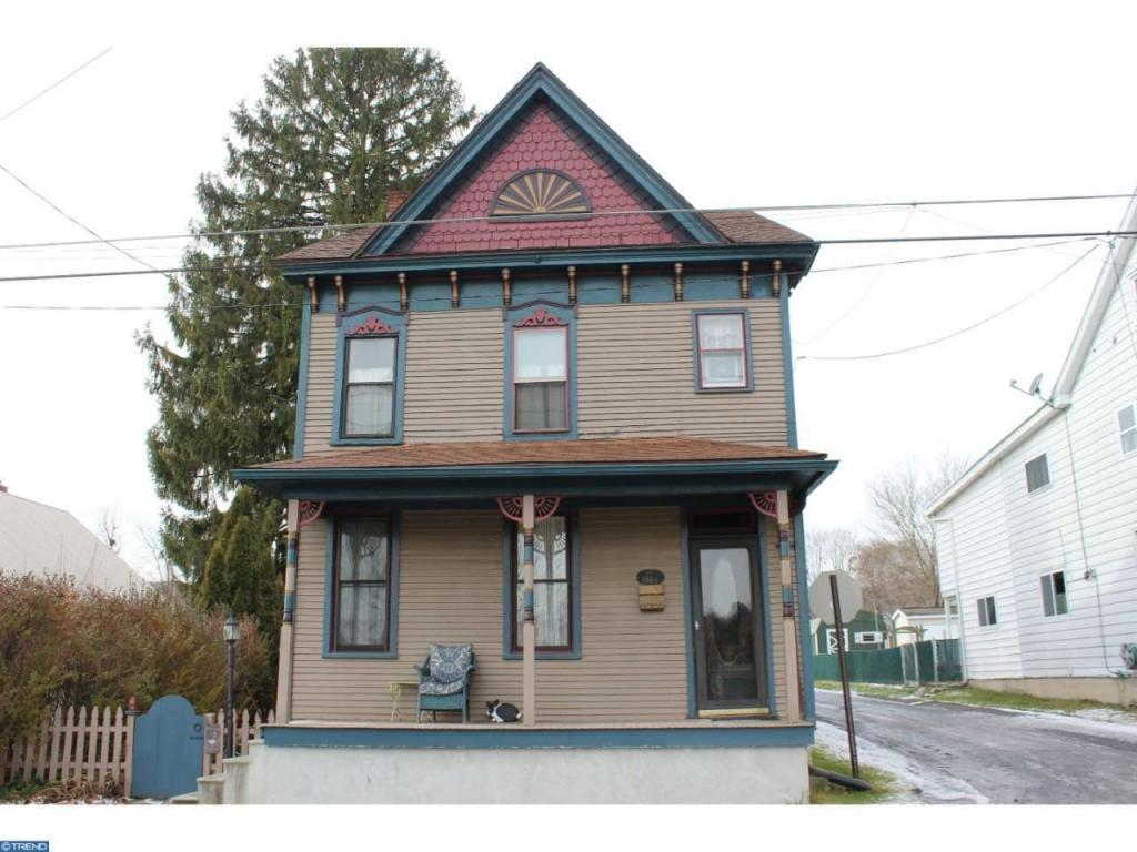 231 N Pine St, Tremont, PA