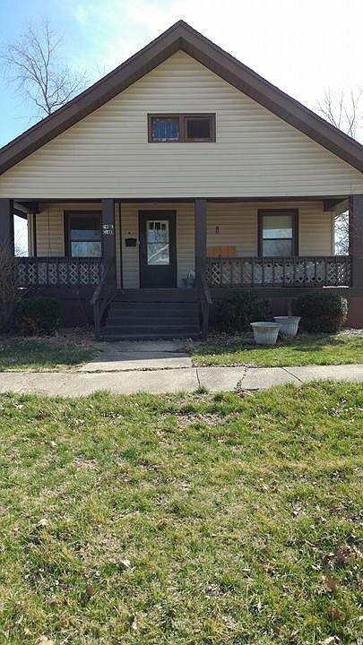 240 E Clark St, Brookfield, MO