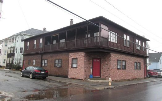 25 N Main St, Webster, MA