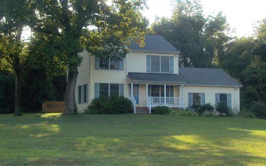 27 Virginia Pines Ln, Huntly, VA