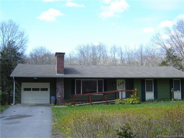 28 Millers Pond Rd, Quaker Hill, CT