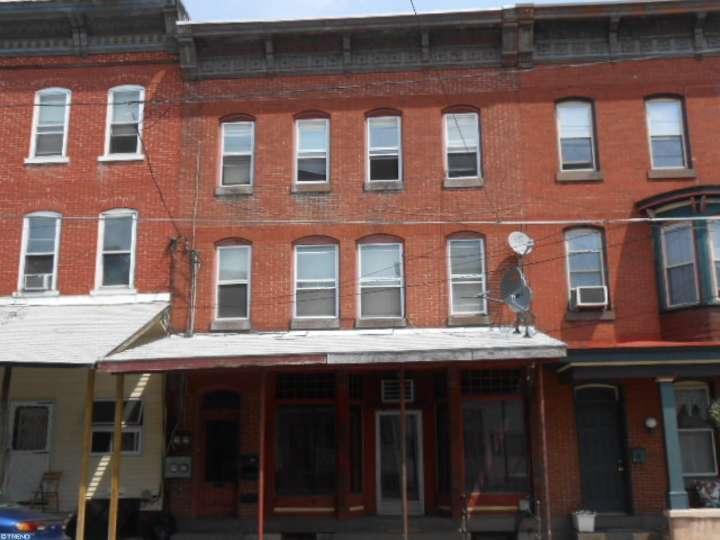 28 W Main St, Tremont, PA