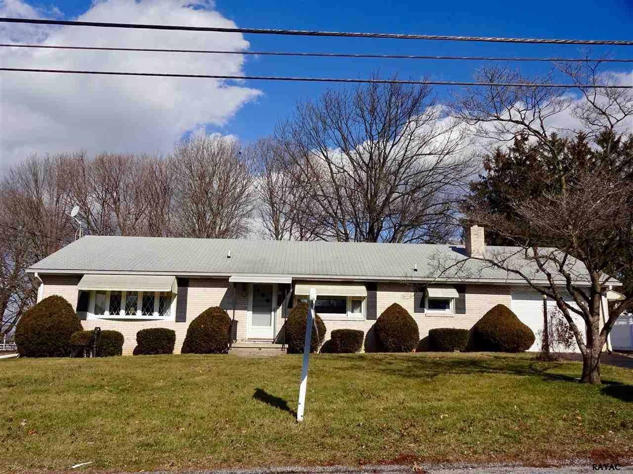 Incredible 2933 Sunset Dr Dallastown Pa Houses For Sale The Oc Interior Design Ideas Tzicisoteloinfo