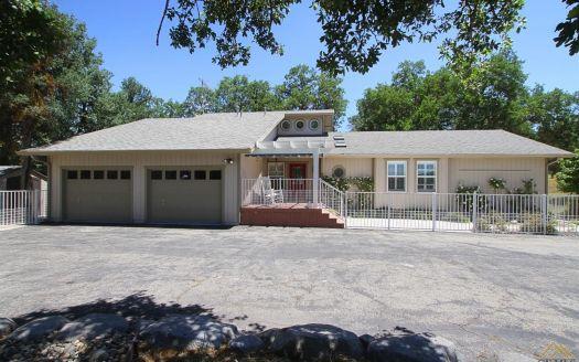300 Jack Ranch Rd, Glennville, CA
