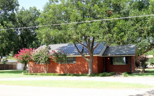 305 N Avenue K E, Haskell, TX