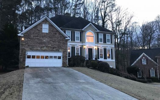 314 Lake Bluff Ct, Suwanee, GA
