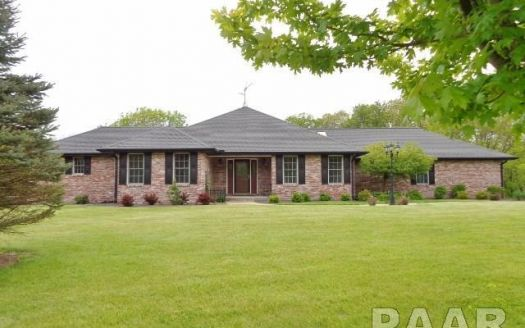 326 W Lake Shore Dr, Edelstein, IL