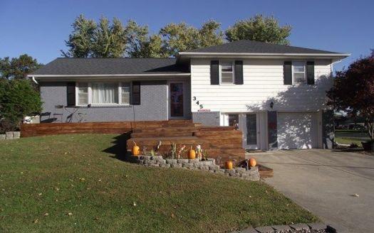 345 E Farragut St, Brookfield, MO