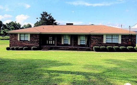 35 Madison Dr, Atmore, AL