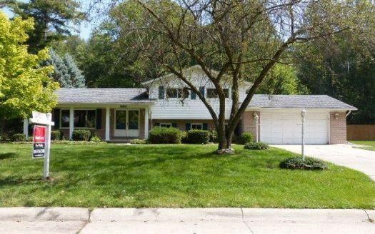 35132 Dumbarton St, Harrison Township, MI