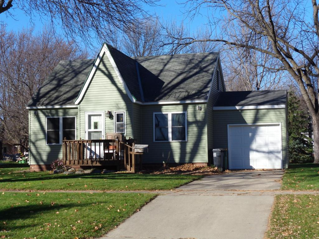 361 5th St, Tracy, MN
