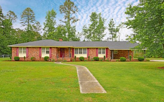 3613 Hillcrest Dr, Farmville, NC