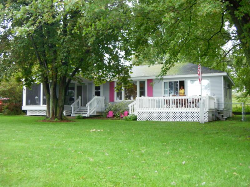 379 W Shore Rd, Alburgh, VT