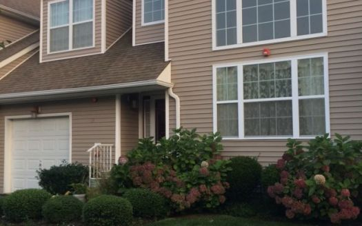 39 Halley Ln, Miller Place, NY
