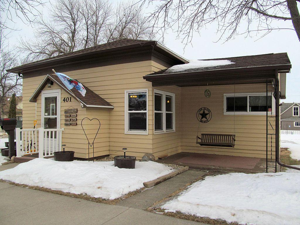 401 E 2nd St, Redfield, SD