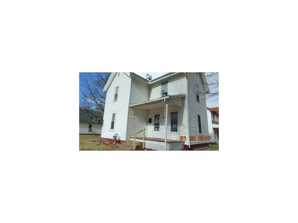 401 N 11th St, Coshocton, OH