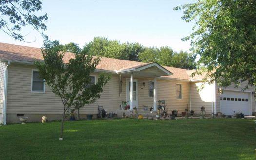 403 Sunset St, Appleton City, MO