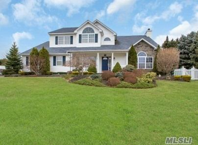 41 Sweetgum Ln, Miller Place, NY