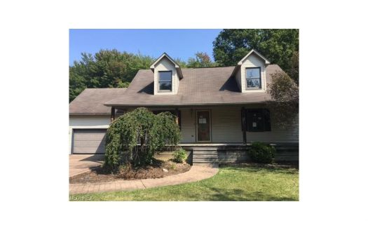 410 Royal Oak Cir, Sebring, OH