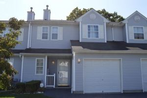 48 Smith Ave, Bay Shore, NY