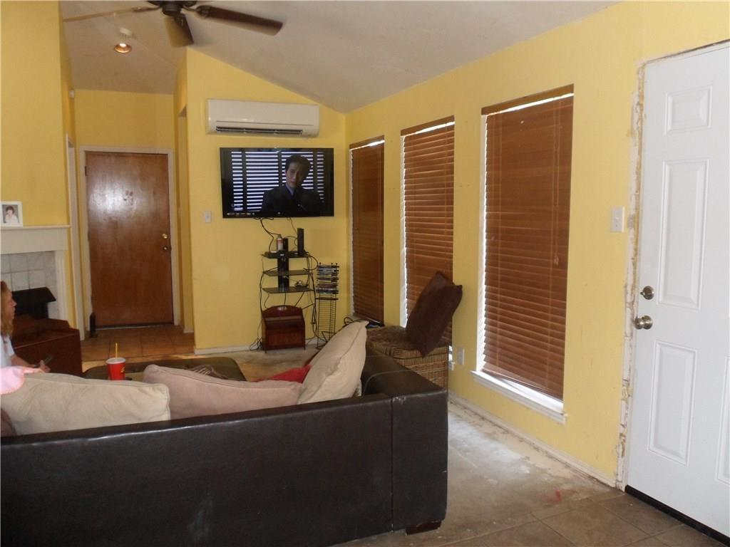 4961 Oak Blf, Mesquite, TX