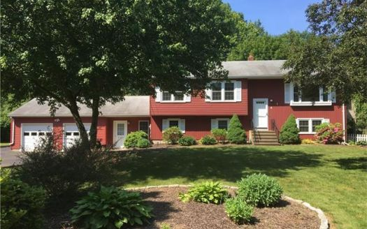 5 Gail Dr, Northford, CT