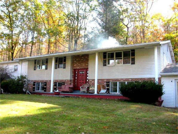 5328 Twin Creek Ln, Robertsdale, PA