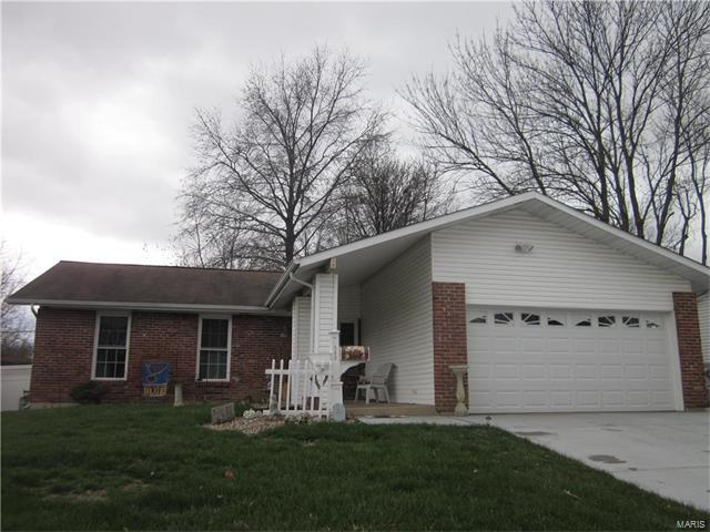 548 Queen Ann Dr, Hazelwood, MO