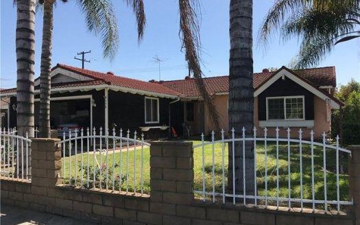 550 W Parkwood Ave, La Habra, CA