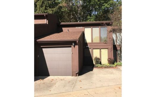 5560 Barton Rd #508, North Olmsted, OH