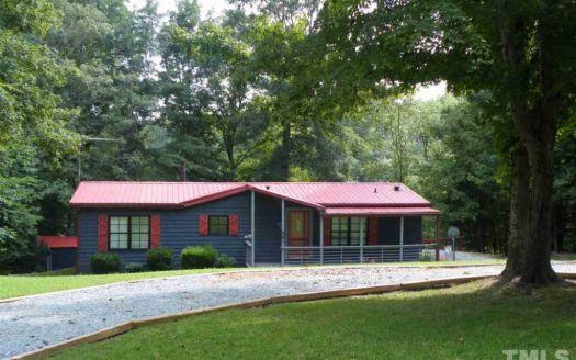 581 Hideaway Ln, Leasburg, NC