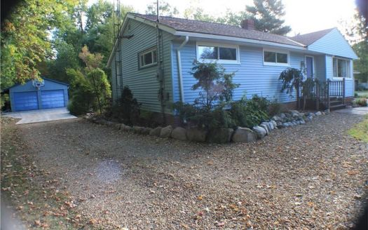 5927 Barton Rd, North Olmsted, OH