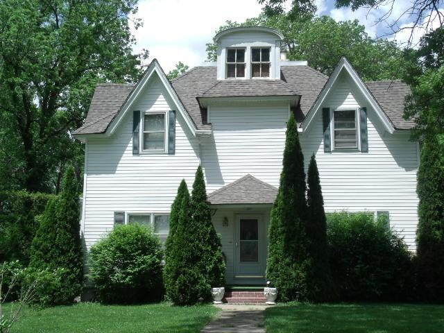 608 W Helm St, Brookfield, MO