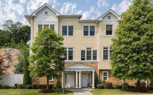 70 Riverdale Ave #901, Greenwich, CT