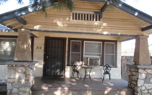 712 Mariposa Ave, Tulare, CA
