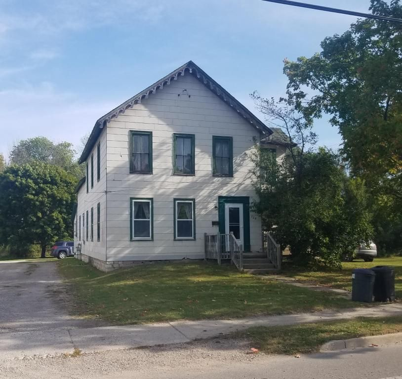 728 Mackinaw Ave, Cheboygan, MI