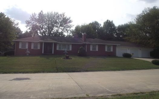 768 Hillside Dr, Brookfield, MO