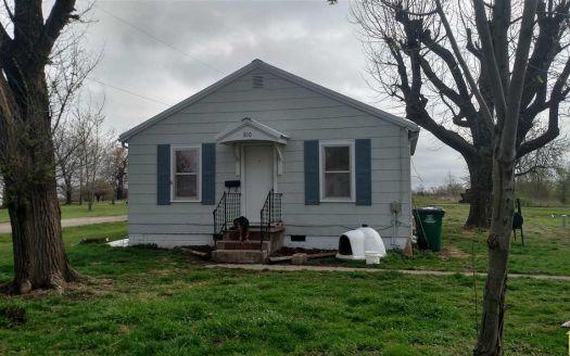 810 N Poplar St, Appleton City, MO