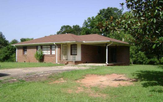 825 N Oak St, Jackson, GA