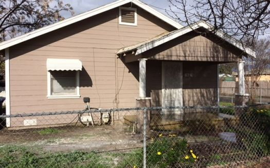 826 W Owens Ave, Tulare, CA