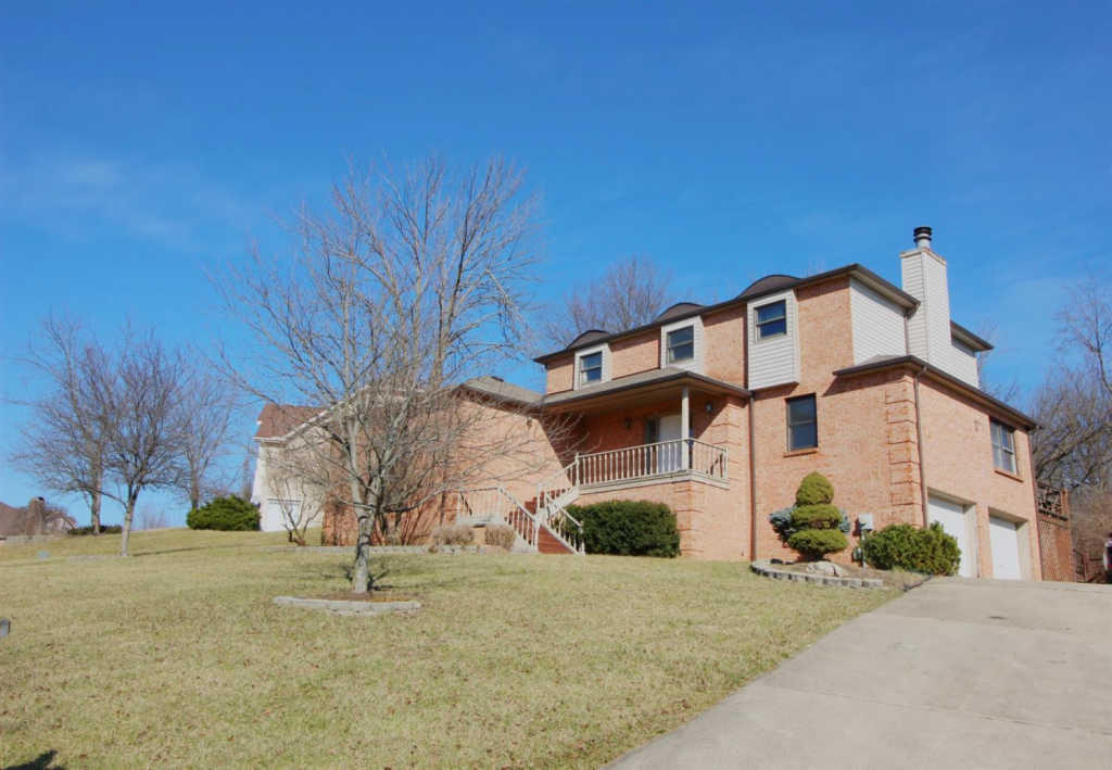 8360 Todd Creek Cir, West Chester, OH