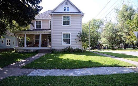 843 Brookfield Ave, Brookfield, MO