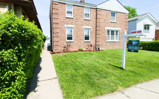 8922 Southview Ave, Brookfield, IL