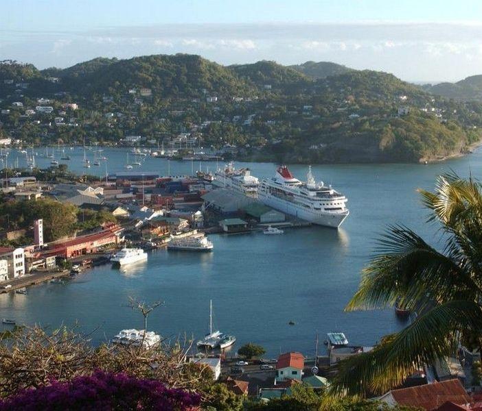 Остров Пти-Мартиника