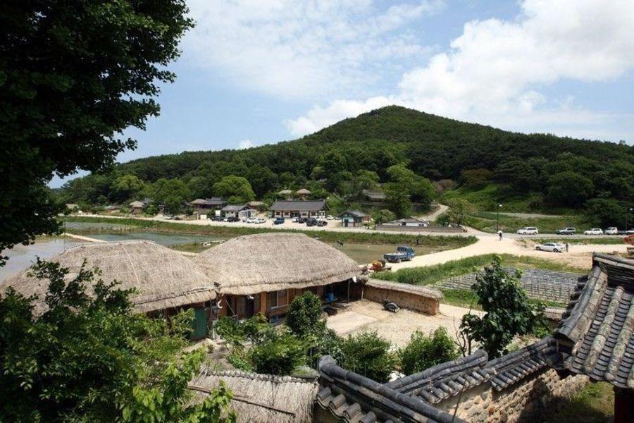 Корейская фольклорная деревня